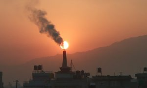 Air pollution by brick factories at Mahalaxmi municipality, Lalitpur Nepal. Photo by Janak Bhatta via Wikimedia.Commons, CC BY 4.0